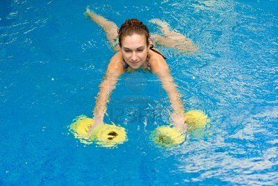 5719076-aqua-aerobic-woman-in-water-with-dumbbells